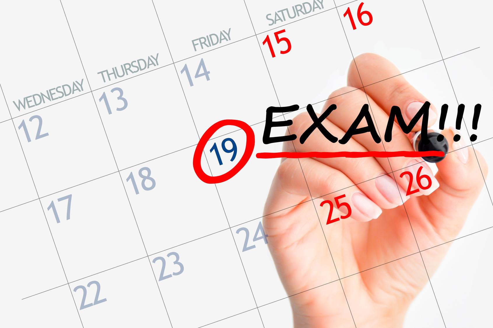 Come studiare più esami contemporaneamente  E  buono farlo o rischio di far  confusione  7778a075a476